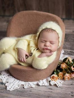 Sleepsuit and hat for newborn photography
