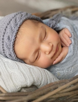 Cap for a newborn photo shoot