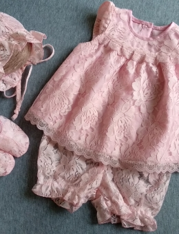 Dress, hat, shorts and booties for a reborn doll