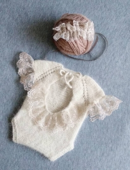Body with lace for a baby photo shoot